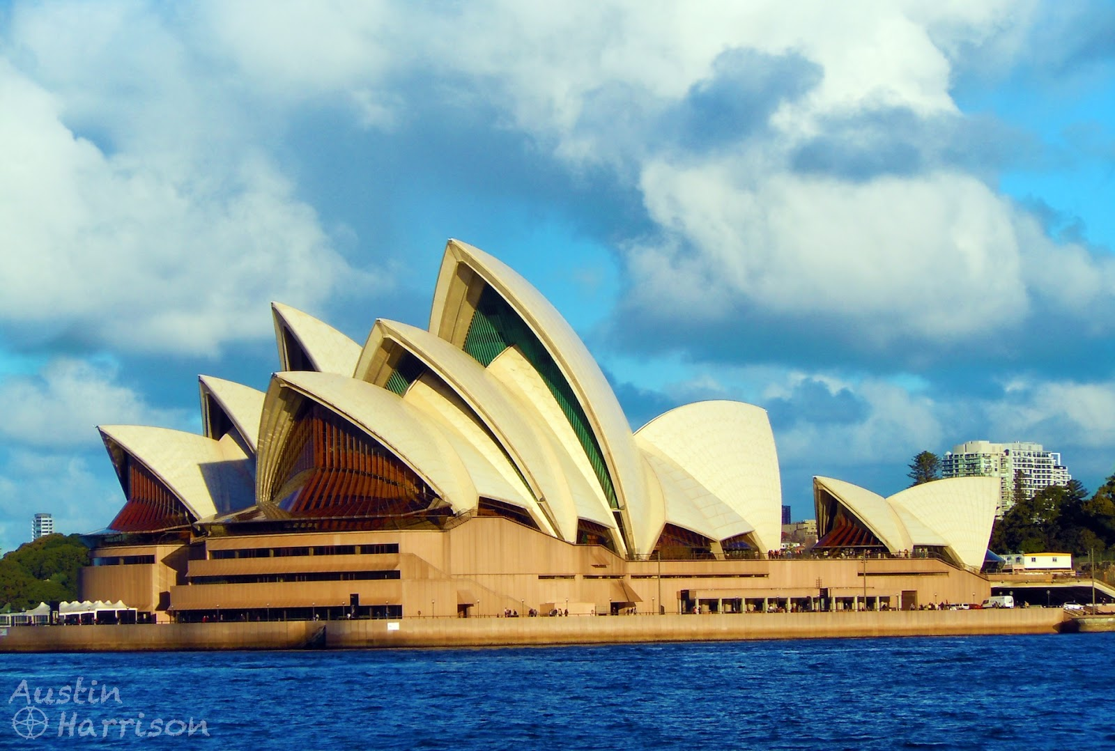 The ramblingstone australia the sydney opera house for Sydney opera housse