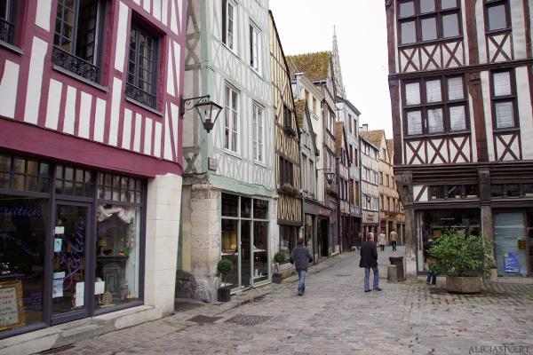 aliciasivert, alicia sivertsson, rouen, france, rue damiette, half-timbered house, frame house, lane, alley, street, frankrike, korsvirkeshus, gränd, gata, korsvirkeshus