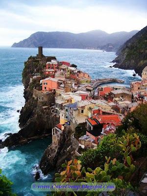 Edge of the sea, Vernezza , Italy