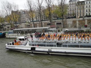 Passeio de barco pelo Rio Sena - Paris