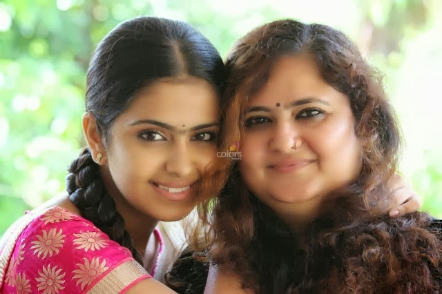 Actress Avika Gor Unseen&Rare Family Photos,Avika Gor images,Avika Gor pics,Avika Gor photos,Avika Gor hot pics,Avika Gor unseen images