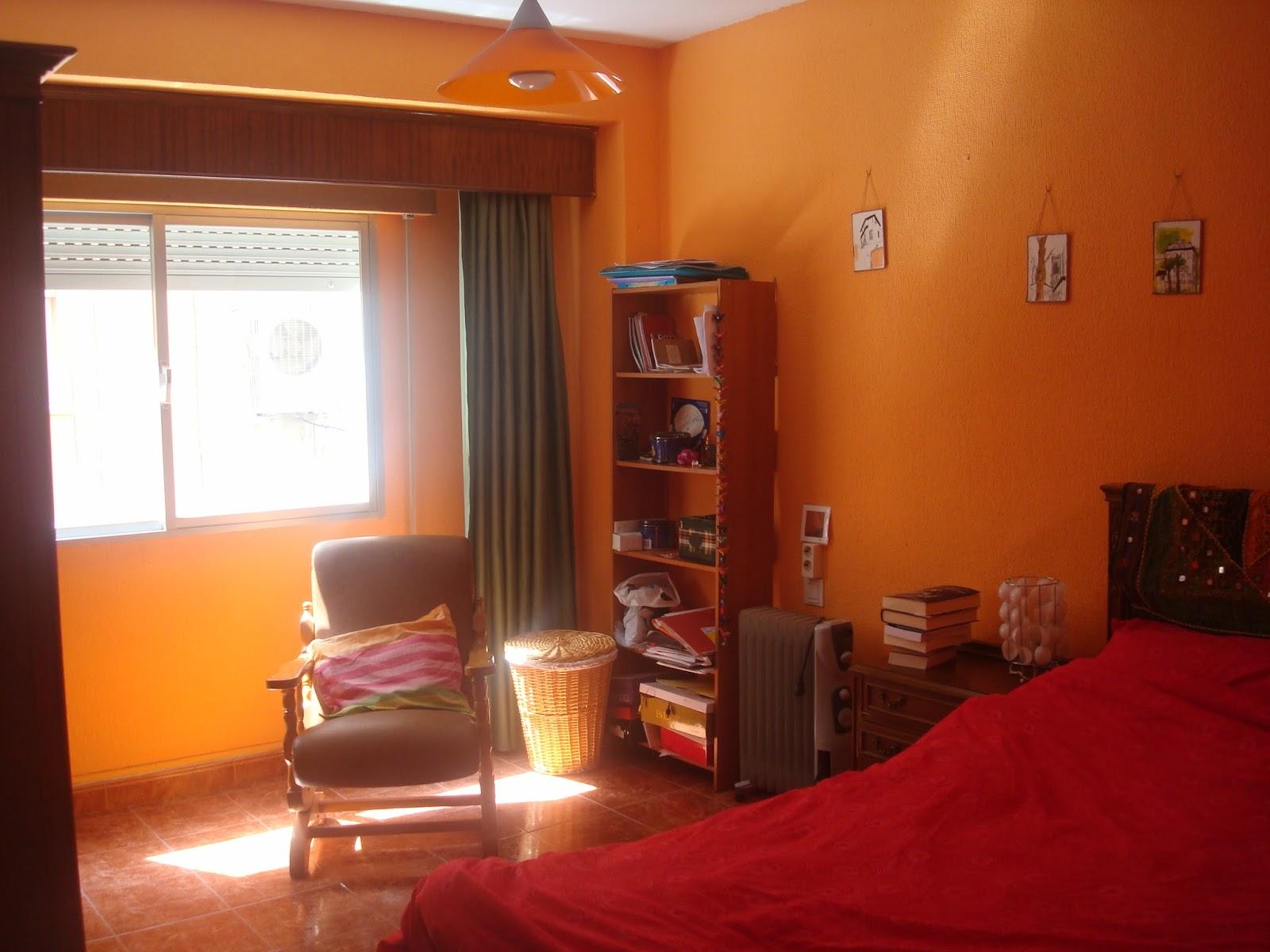 Colores en la calle primavera dormitorio naranja for Dormitorio naranja