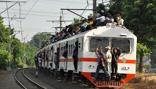 Kereta Listrik (KRL) Ekonomi