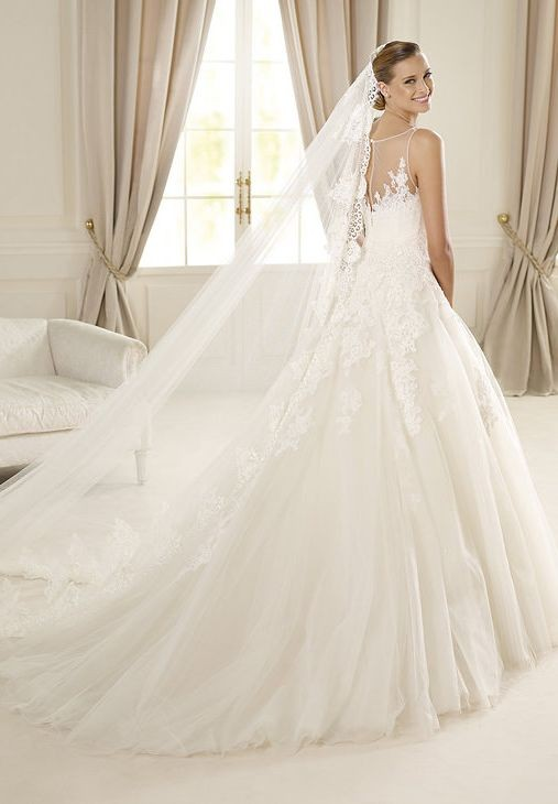 Tulle Bateau Ball Gown Elegant Wedding Dress