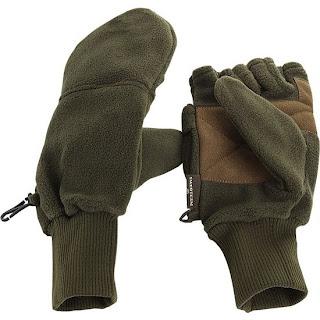 Fleecehandske som har avklippta fingrar med huva