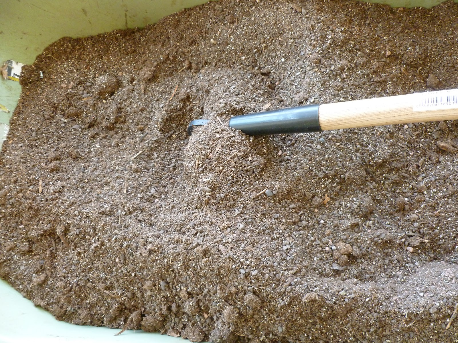 Rock dust minerals for garden top 10 ways to improve for What are soil minerals