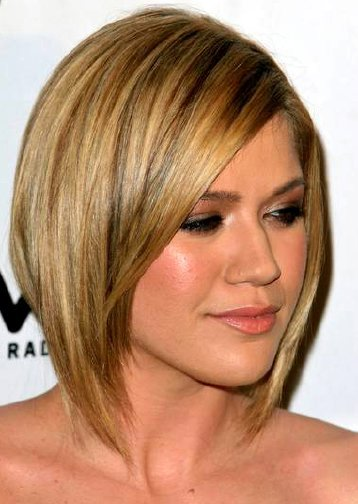 kelly clarkson hair color