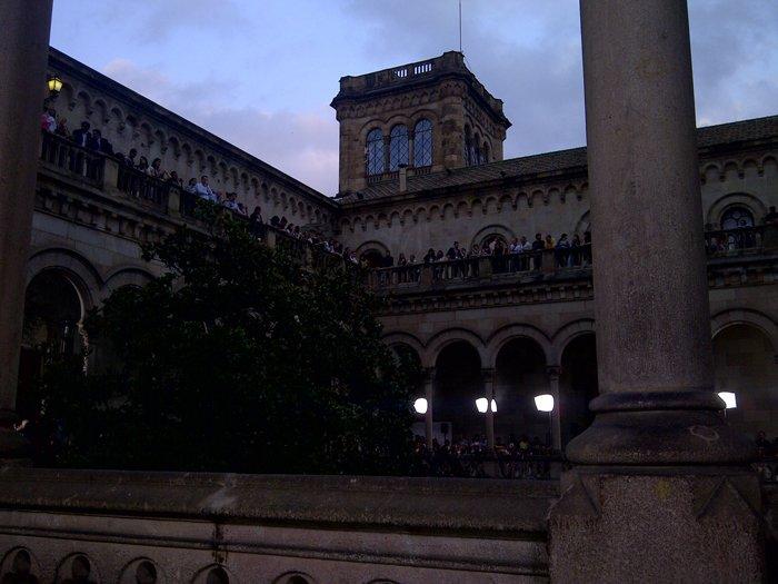 MANGO LLEGA PISANDO FUERTE EN OTOÑO 2011