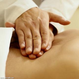 العلاج بالتدليك يخفف آلام الظهر المزمنة