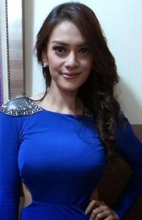 35 foto payudara besar artis cantik indonesia   hot girls