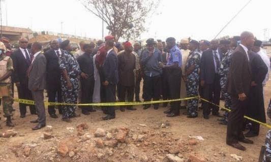 Photos President Jonathan Cancels Trip to Ibadan, Visits Bomb Blast Scene