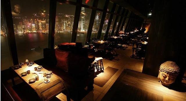 Restaurante de Hong Kong en el que se encuentran Fabio Cannavaro y Pepe Vitruvio. Ya es casualidad.