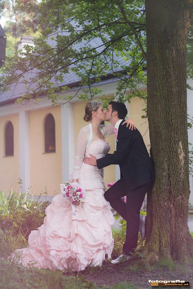 Schmetterlinge unter dem Baum bei deiner Hochzeit