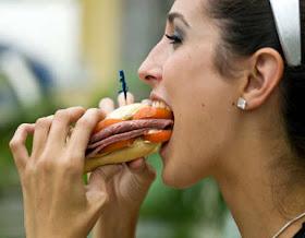 http://1.bp.blogspot.com/-V6RukJ9Id54/UQKETgBrJkI/AAAAAAAAEuI/M7QTE5M6yQw/s1600/wanita-kolesterol.jpg
