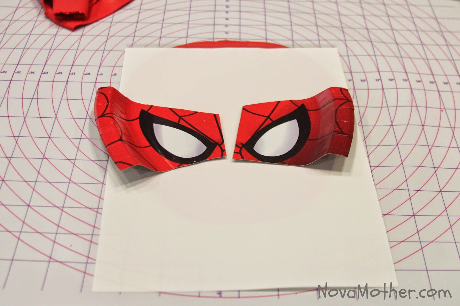 how to make spiderman with fondant