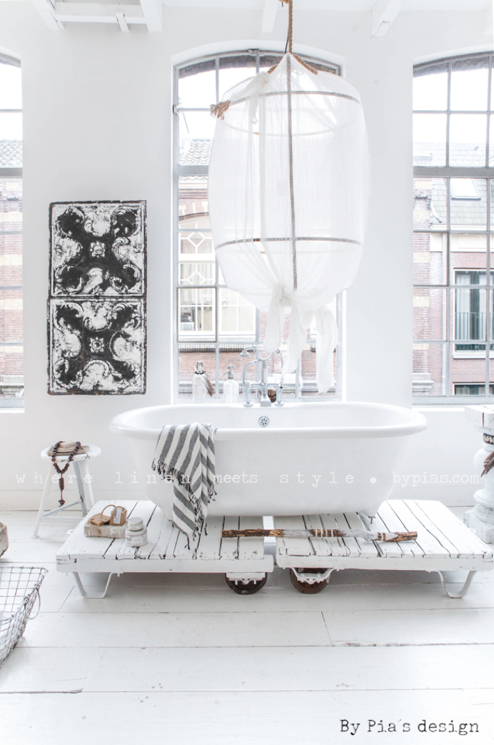 BY PIA´S Design linen for your home  - bathroom - photo Paulina Arcklin