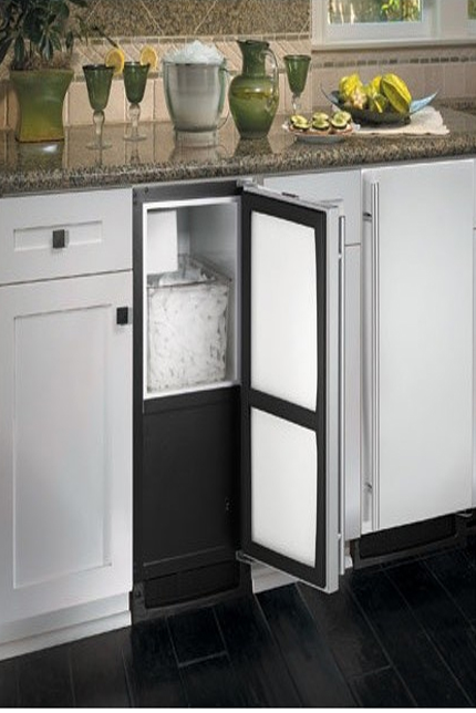 Amazing Ice Maker In The Pantry. No One Wants To Schlep To The Gas Station Before A  Party For Leaky Bags Of Ice.