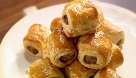 lorraine pascale sausage rolls, recipe,