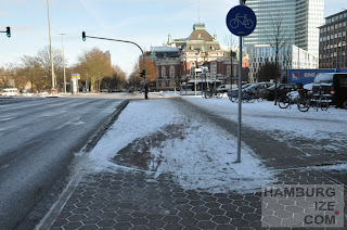 """Fake-Radweg-""""Winterdienst"""" Holstenstraße / Johannes-Brahms-Platz"""