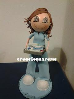 fofucha-creacionesreme-personalizadas-foami –medico-enfermera