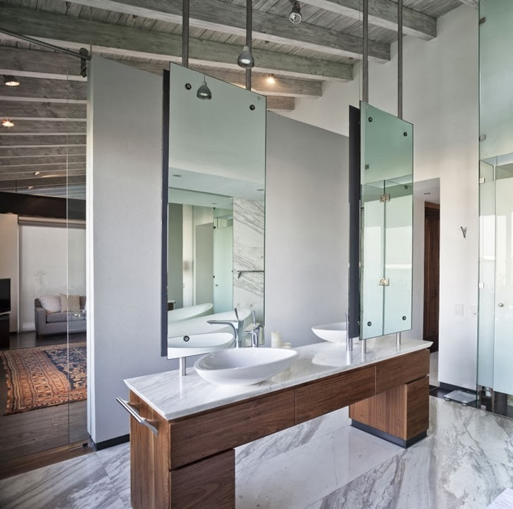 Bathroom in Contemporary Casa Río Hondo in Mexico City