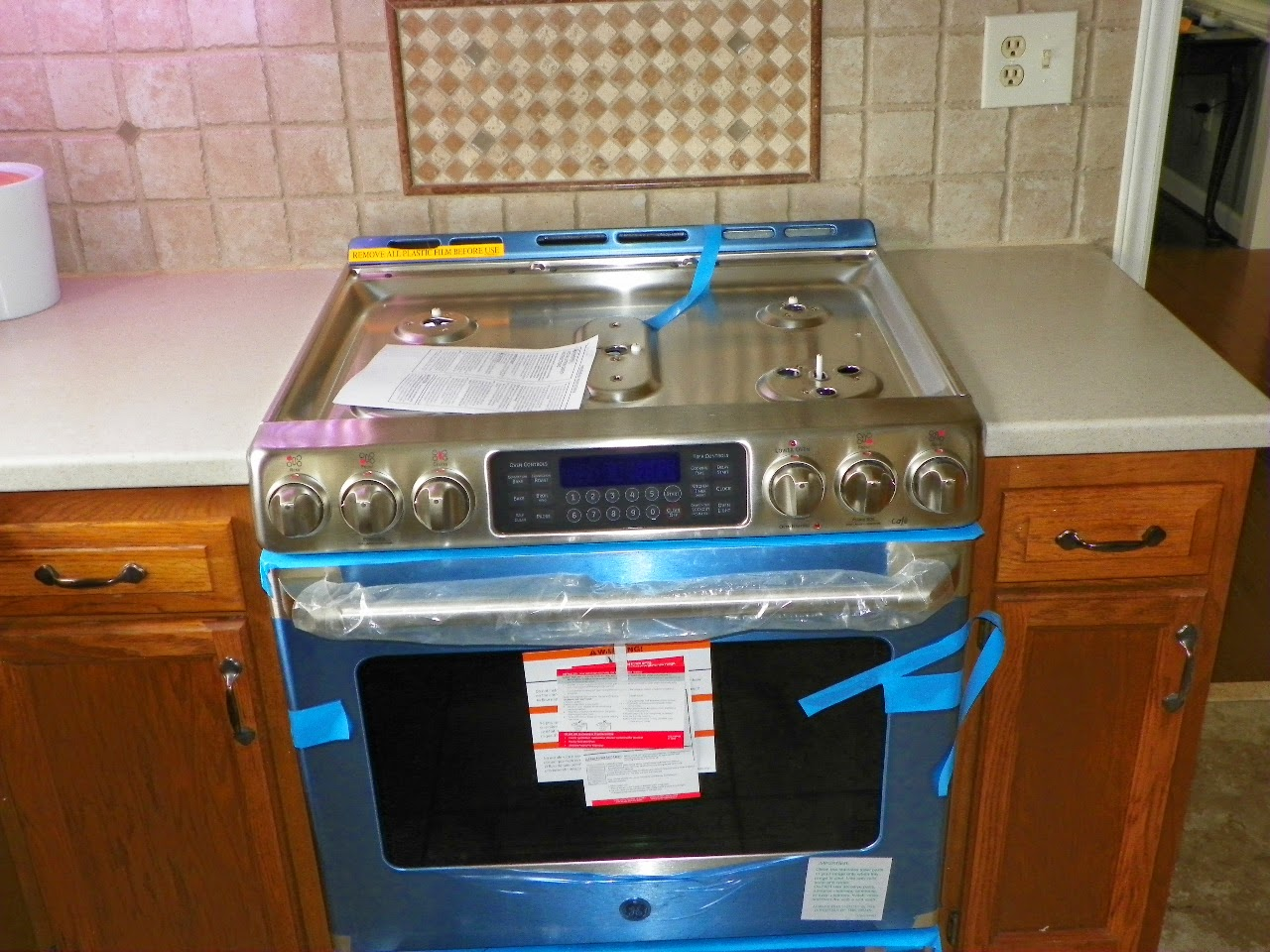 Remove Countertop Stove : stove is in and now the gas company gets to do their work. Countertop ...
