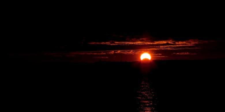 Matahari Bisa Terbit dari Barat