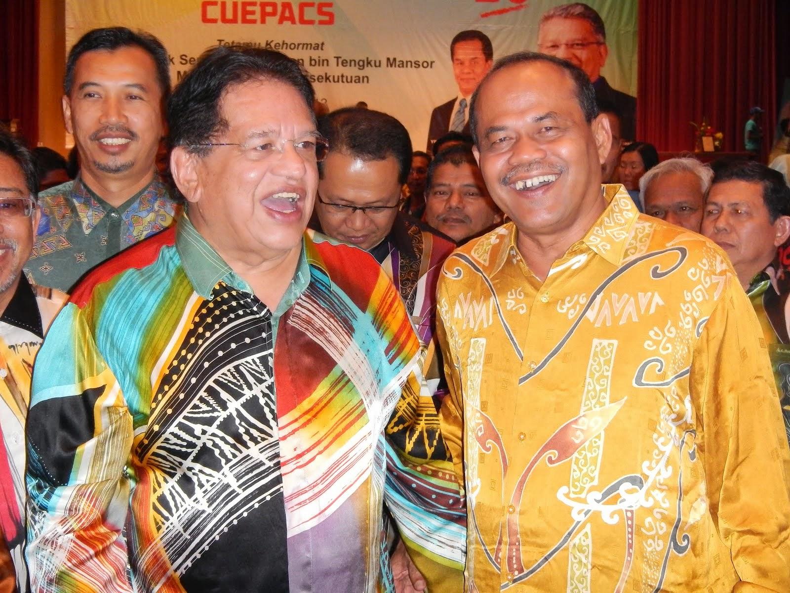 Bersama Y.B. Datuk Seri Tengku Adnan bin Tengku Mansor Menteri Wilayah Perseketuan 18/12/2013
