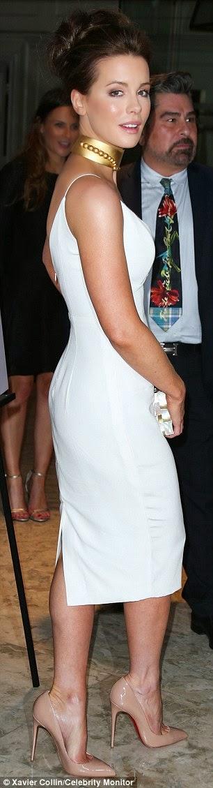 """الممثلة الانكليزية الجميلة """"كيت بيكنسيل"""" في حفل أقيم في لوس انجلوس"""
