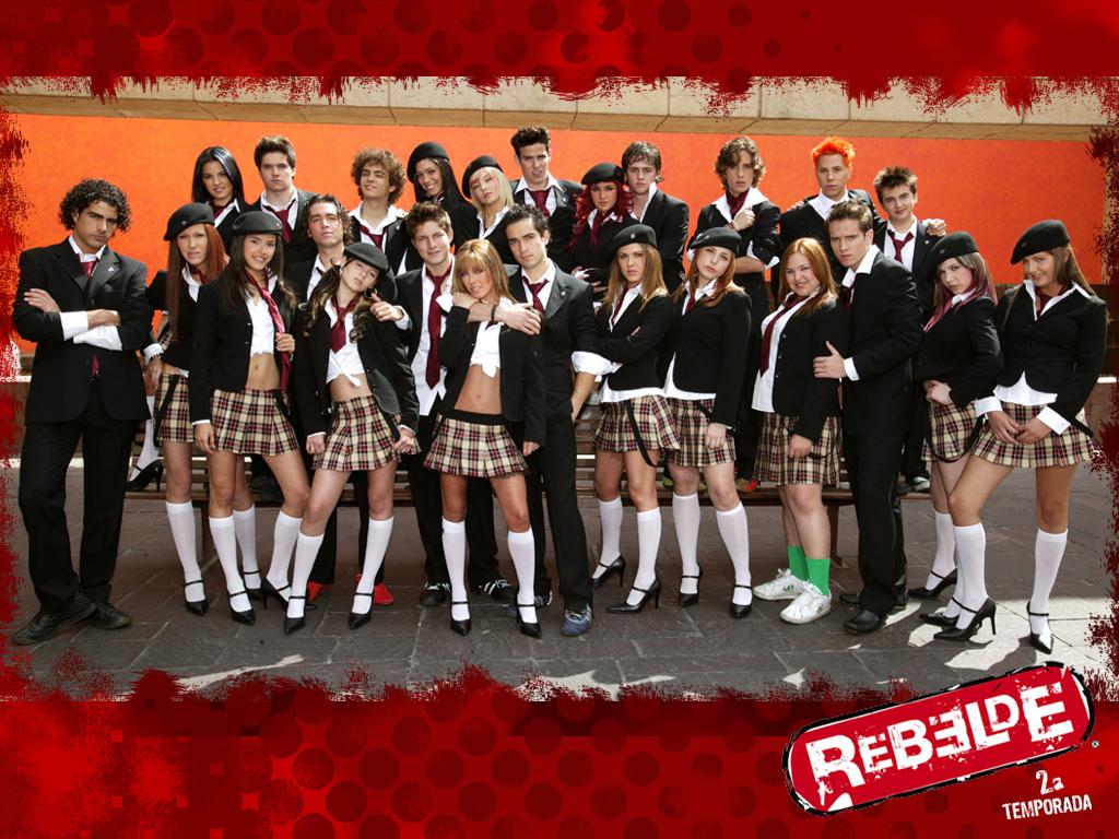 novela teve 3 temporadas e mais tarde saiu o RBD LA Família,olhe ...