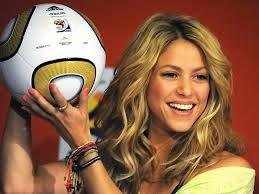 Shakira canta tema da Copa do Mundo 2014