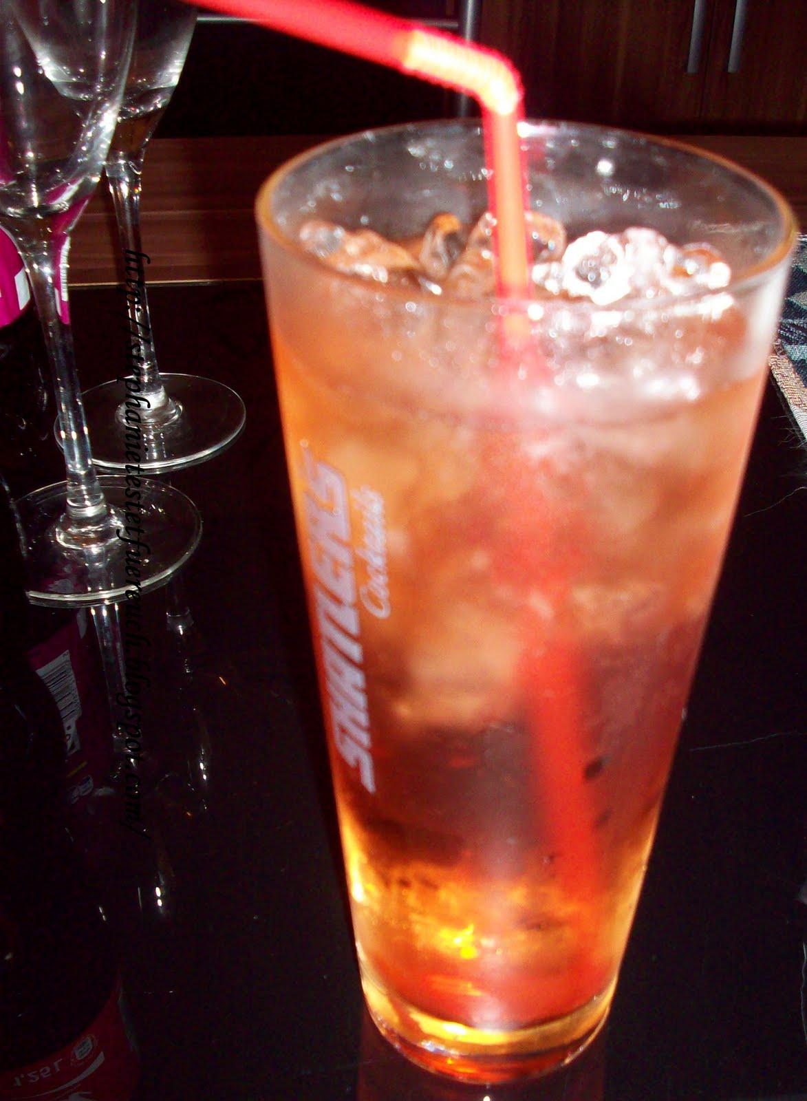 http://1.bp.blogspot.com/-V8W6VtdyX6s/Tklvu49nfpI/AAAAAAAAAWw/rdczNa6nDWg/s1600/Buzzer%2C+Chantr%C3%A9%2C+Weinbrand%2C+Energy+Drink+Speedstar%2C+Cocktail%2C+Crushed+ice.jpg