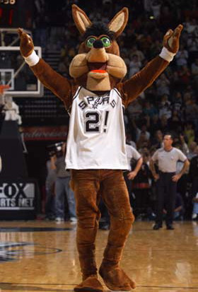 Coyote mascot San Antonio Spurs