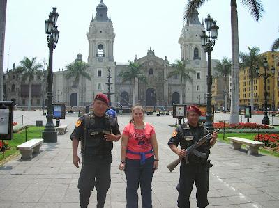 Seguridad en centro de Lima, Perú, La vuelta al mundo de Asun y Ricardo, round the world, mundoporlibre.com
