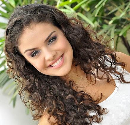 cabelos-cacheados-Paloma-Bernardi-4