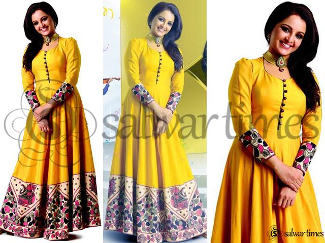 Manju Warrier In Floor Length Anarkali | salwartimes.com ... Sabyasachi Anarkali 2014