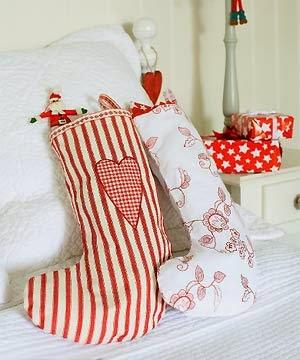 lindas medias con regalos de navidad