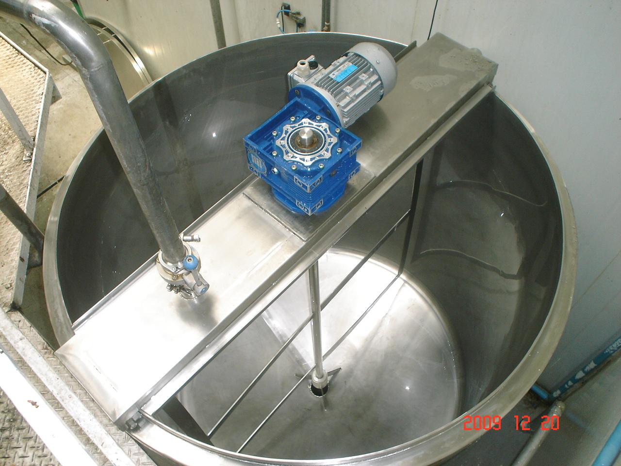 Fabricacion de maquinas y muebles de acero inoxidable for Fabricacion de estanques