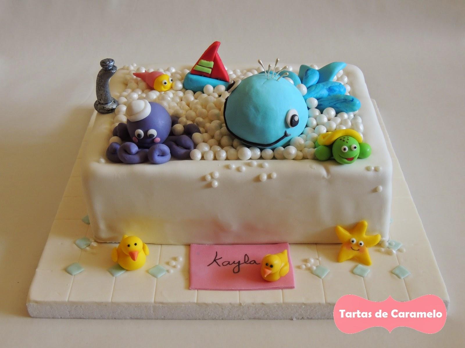 tarta al baño con mis muñecos: pulpo,ballena, tortuga