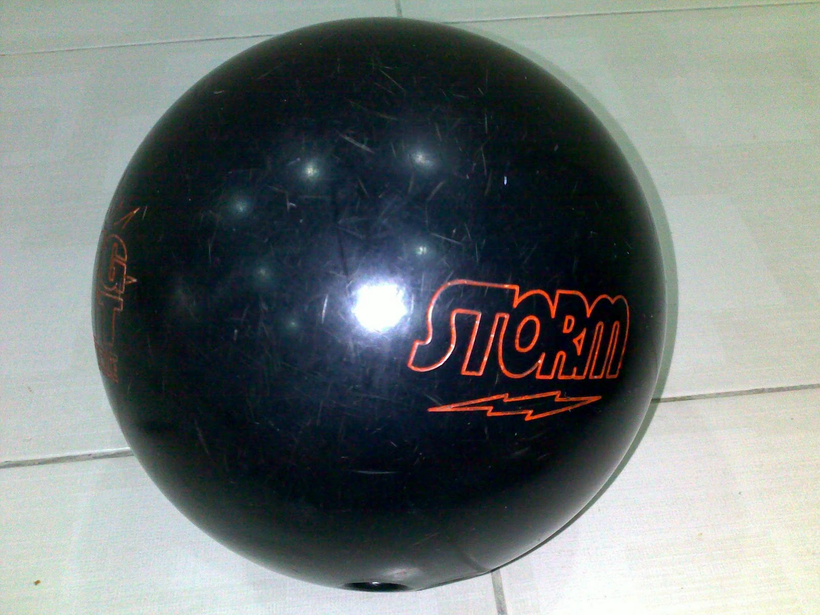 REACTIVE BOWLING BALL STORM BIG HIT PARTICLE 12 LBS