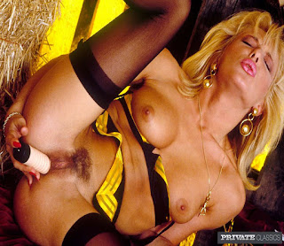 Sexy Adult Pictures - rs-010-739764.jpg