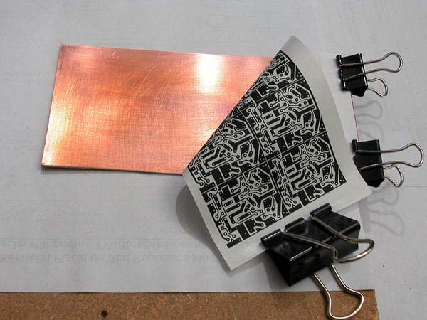 Блог технических вкусностей: Как сделать печатную плату в домашних условиях.
