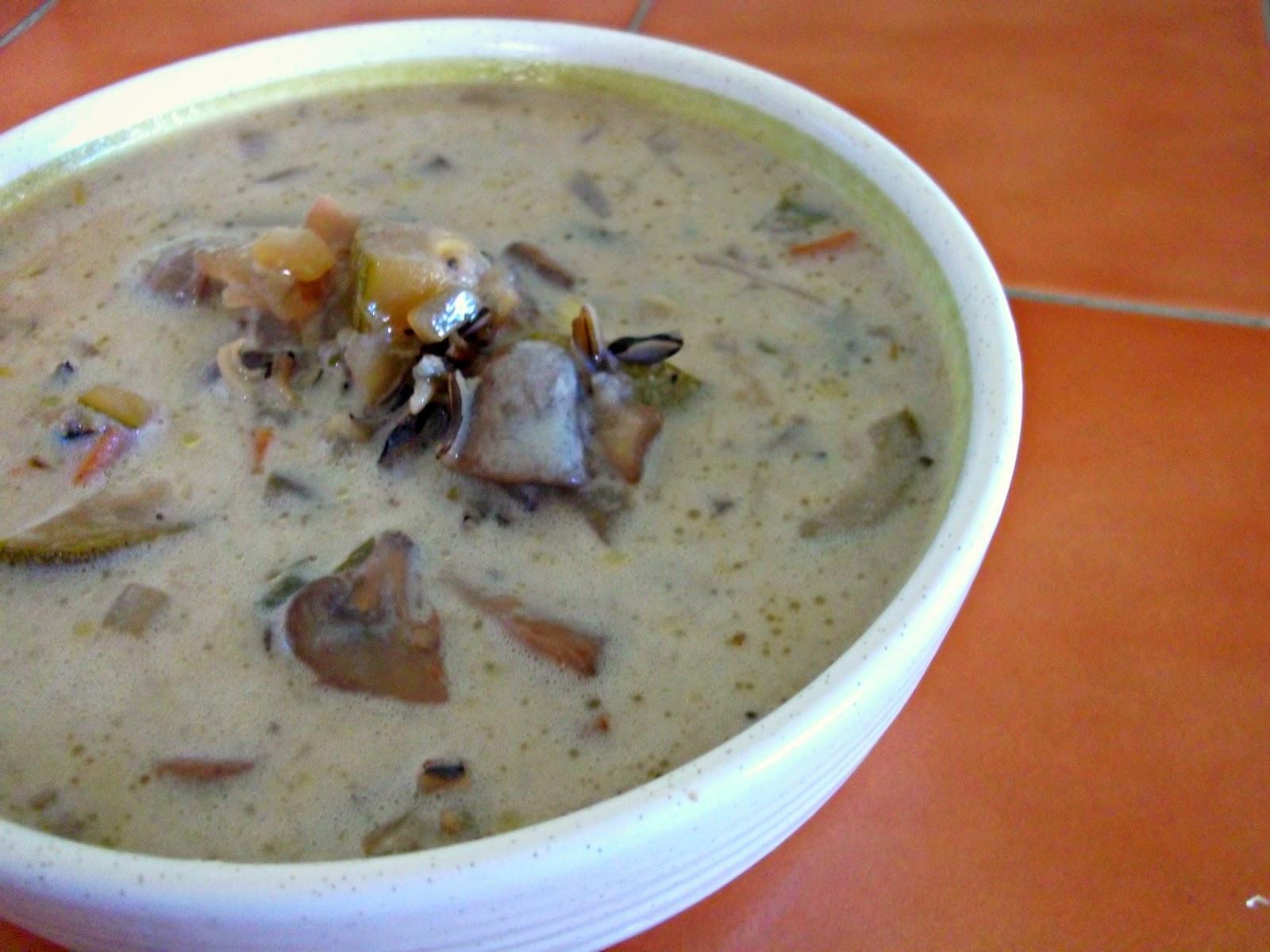 Julia's (Vegan) Kitchen: Creamy Mushroom Wild Rice Soup