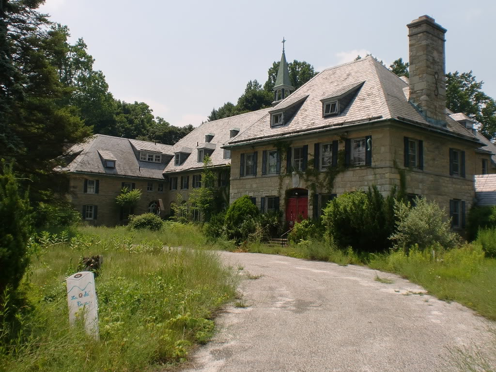 The forgotten past of new jersey st paul 39 s abbey the for Retreat house
