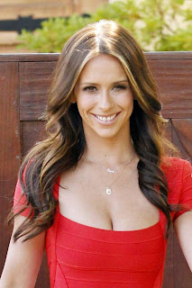 Jennifer Love Hewitt Hot Images