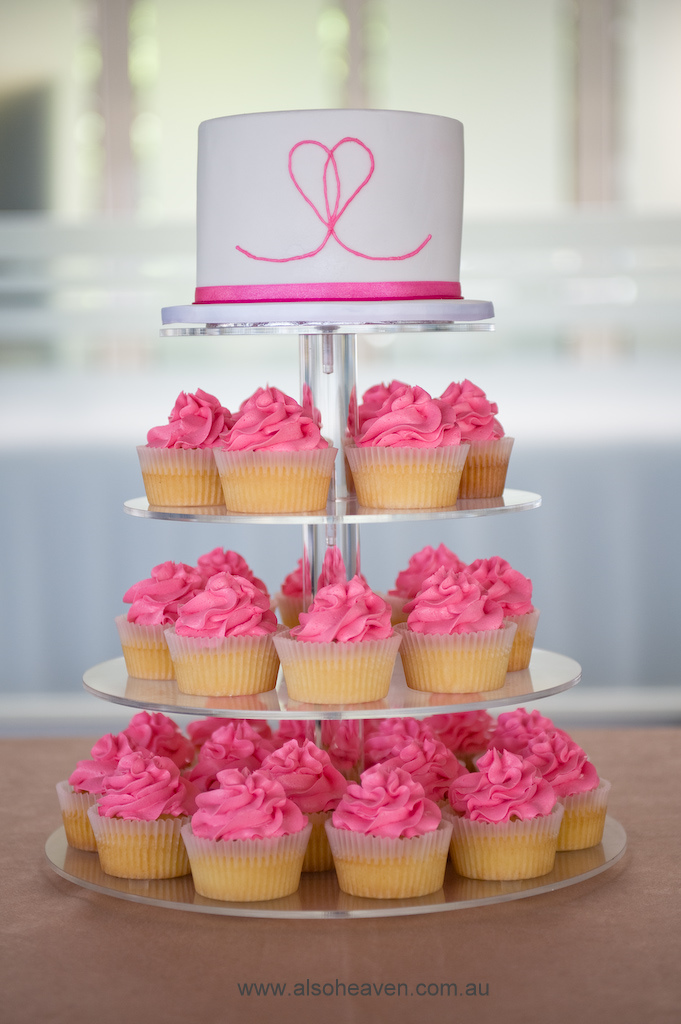 wedding cakes pictures pink wedding cupcakes. Black Bedroom Furniture Sets. Home Design Ideas