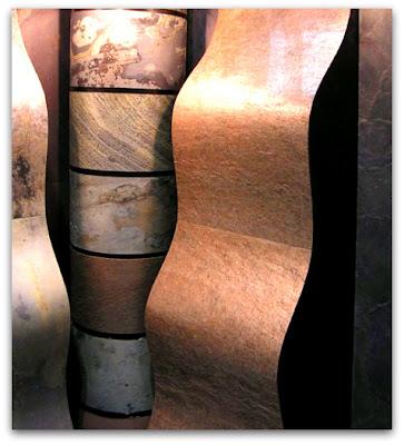 Гибкий камень в настенных элементах