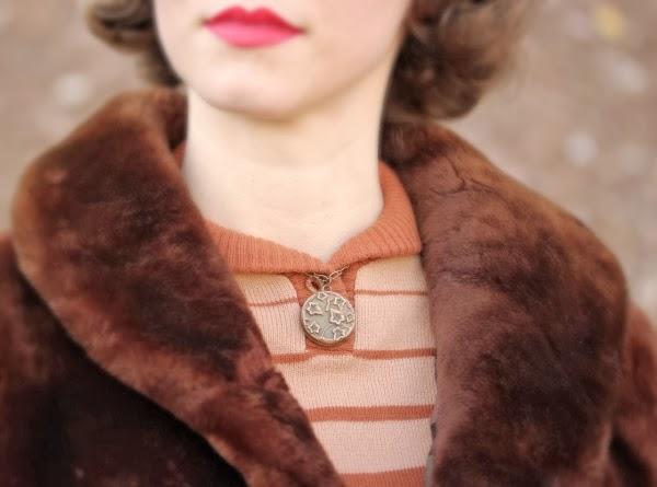 Antique Ivy Necklace Detail #antique #jewelry #vintage #fashion