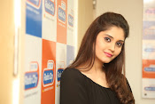surabhi latest gorgeous looking pics-thumbnail-3