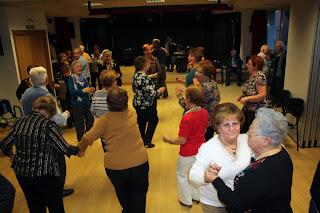 Baile en en Centro de Mayores Nicanor Barroso.